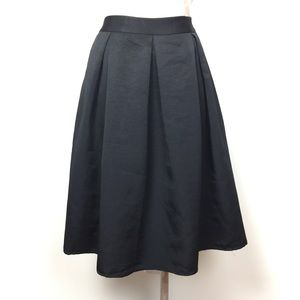 Express Midi Skirt with Pockets